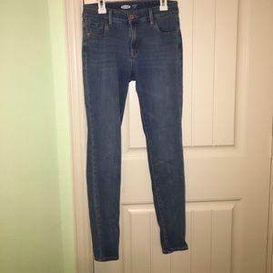 Old Navy Rockstar 24/7 Skinny Jeans Size 2